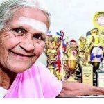 A legidősebb fitt jóga tanár indiai